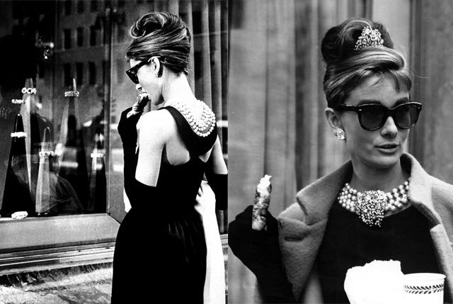 Audrey Hepburn en desayuno con diamantes, delante del escaparáte de Tiffany & Co.
