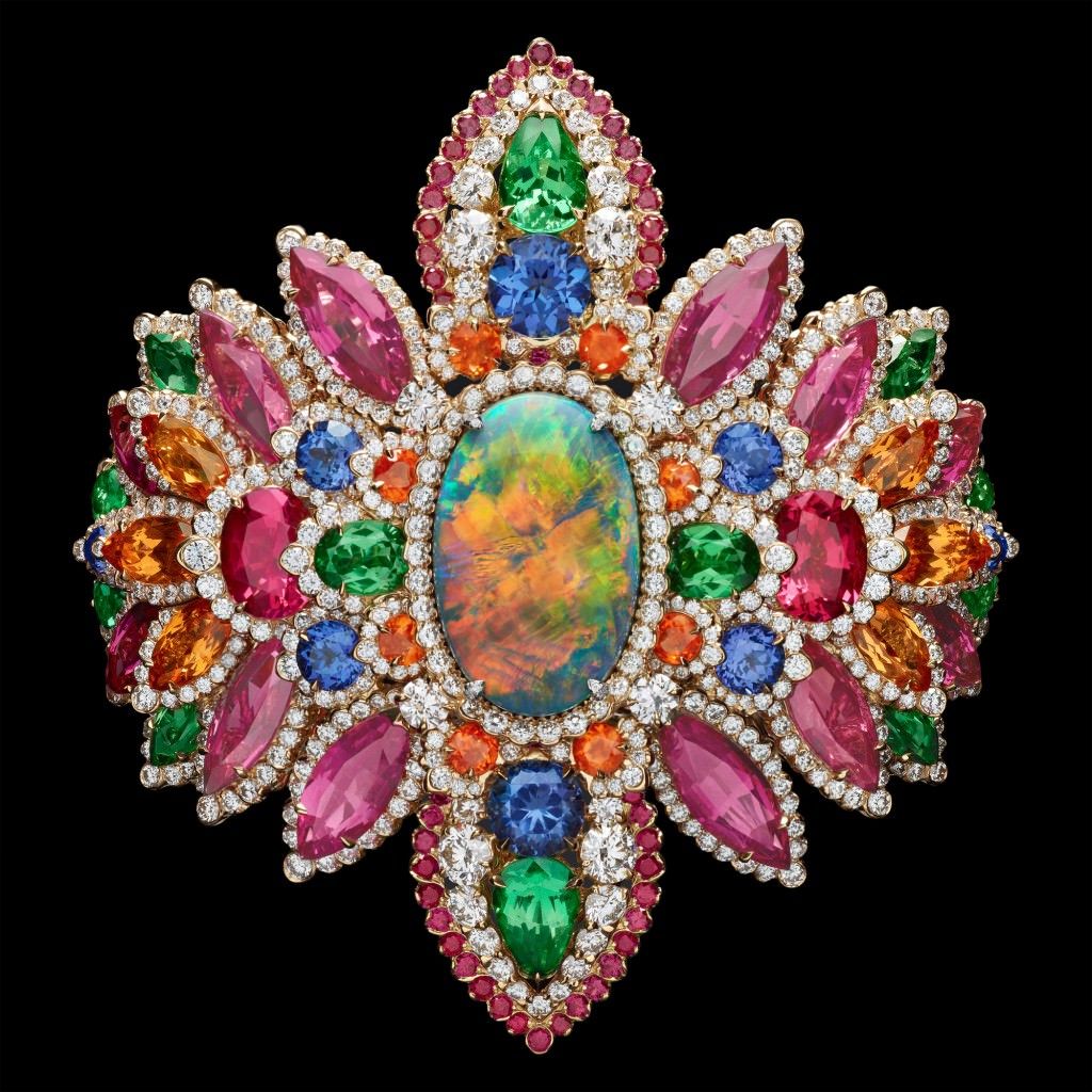 Brazalete Dentelle Opale D'Orient de Dior