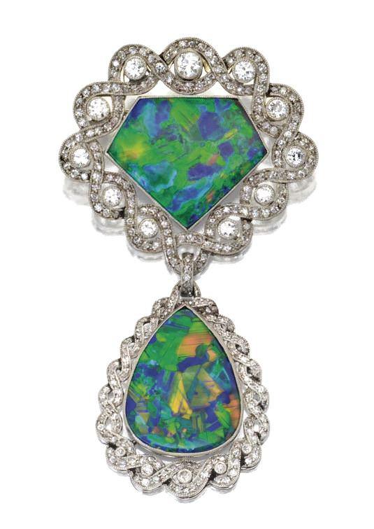 Broche antigüo en ópalo negro y diamantes de René Boivin Año 1915