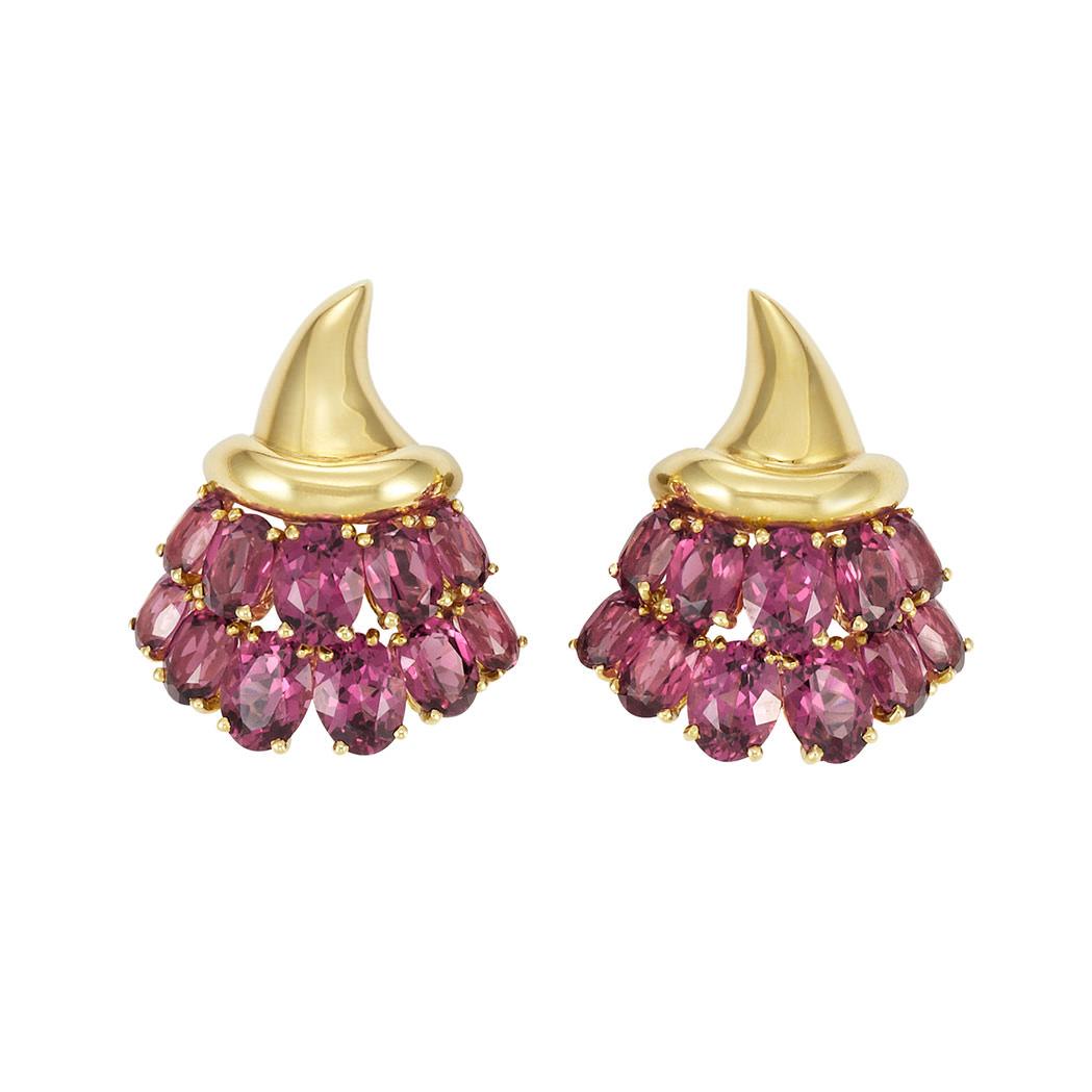 Pendientes Verdura en oro y turmalina rosa - estimados entre $6.000 y $8.000