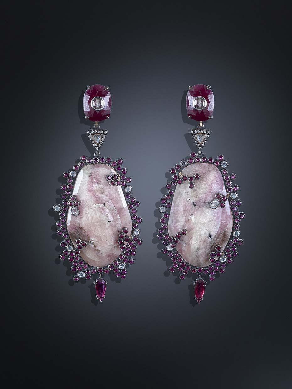 Pendientes Corundum en oro y plata con turmalinas, diamantes y rubies