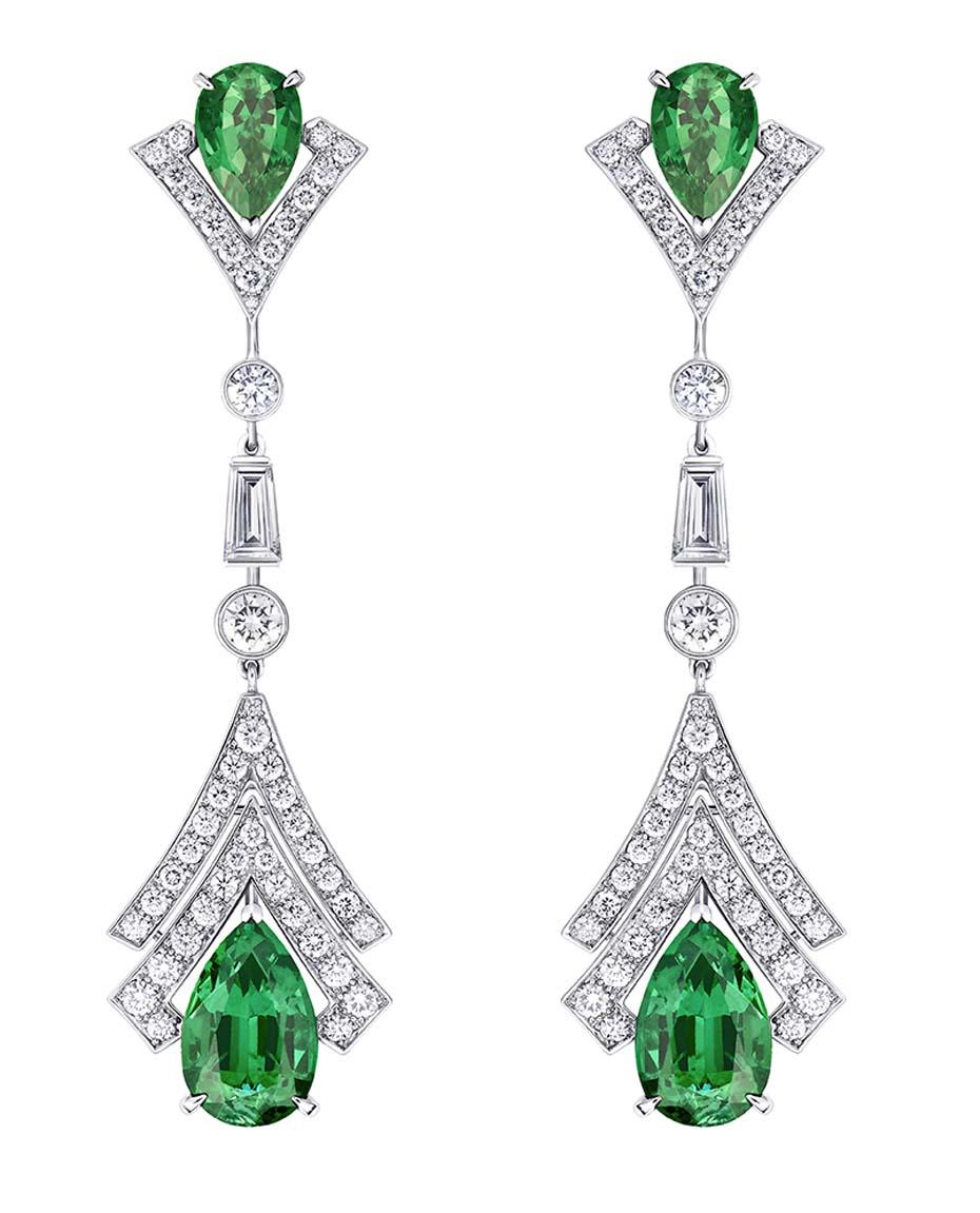 Pendientes Acte V Metamorphoseis Acte V Louis Vuitton con diamantes y esmeraldas