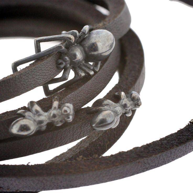 Pulseras araña y hormiga de Timothy Roe Fine Jewellery