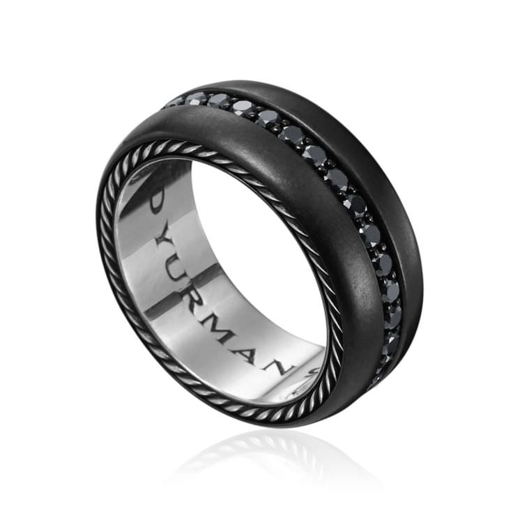 Anillo Titanium de David Yurman con diamantes negros