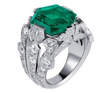 Sortija oro blanco, esmeralda y diamantes