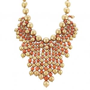 Collar en perlas de oro y coral - estimado entre $8.000 y $12.000