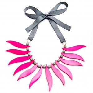 Collar Caperucita Rosa de Papiroga PV2015