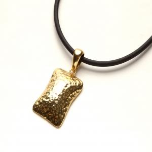 Colgante Square en plata dorada y cordón cuero liso - precio desde 50€
