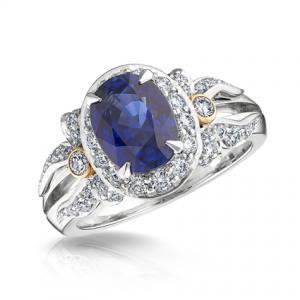 Anillo Alix de la Colección de joyas Fabergé Imperial en oro blanco, oro rosa con zafiro azul y diamantes blancos