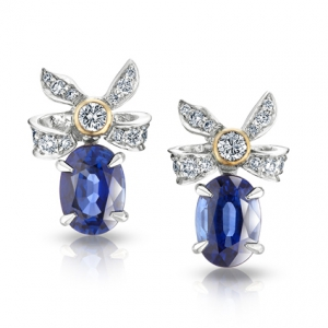 Pendientes Alix de la Colección Fabergé Imperial con oro rosa y blanco, zafiros azules y diamantes blancos