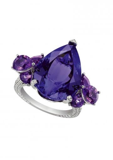 Anillo Temptations de Chopard con tanzanita central, diamantes y amatistas