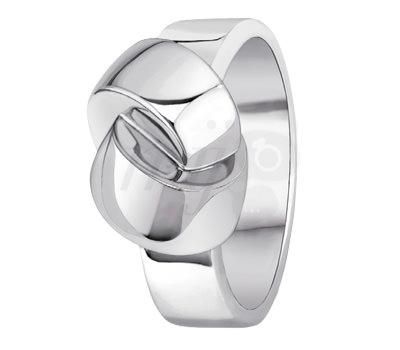 El anillo nudo Alix de la firma Dinh Van