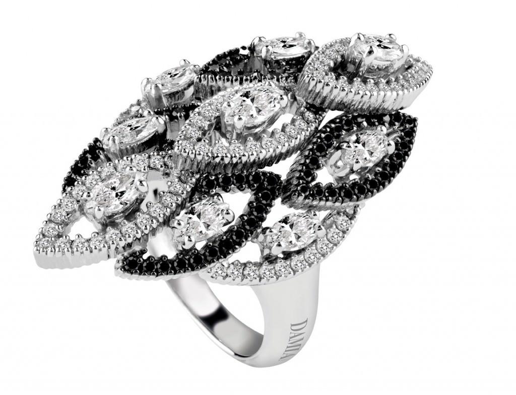 anillo de diamante negro-sortija-magnolia-damiani-oroblanco-diamantesblancos-negros