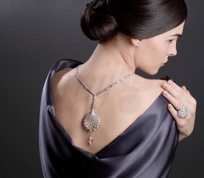 Collar de Espalda de Cartier Joyería para la Bienal Anticuarios 2012