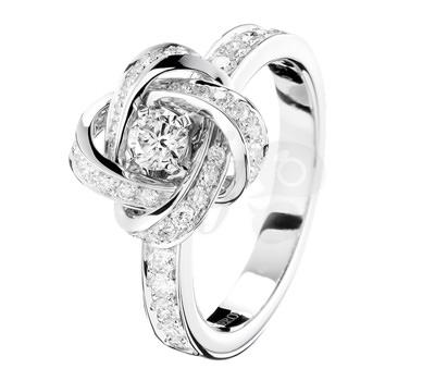 cuanto cuesta un solitario con diamante Anillo Ava Pivoine Oro blanco y Diamantes de Boucheron