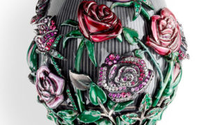 "El Huevo de Rosas de Fabergé ""Les Fameux"""