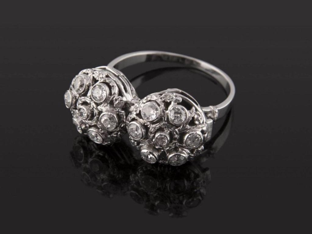 Sortija_Oro_Blanco_18k_rosetas_0,62quilates_diamante_talla_antigua
