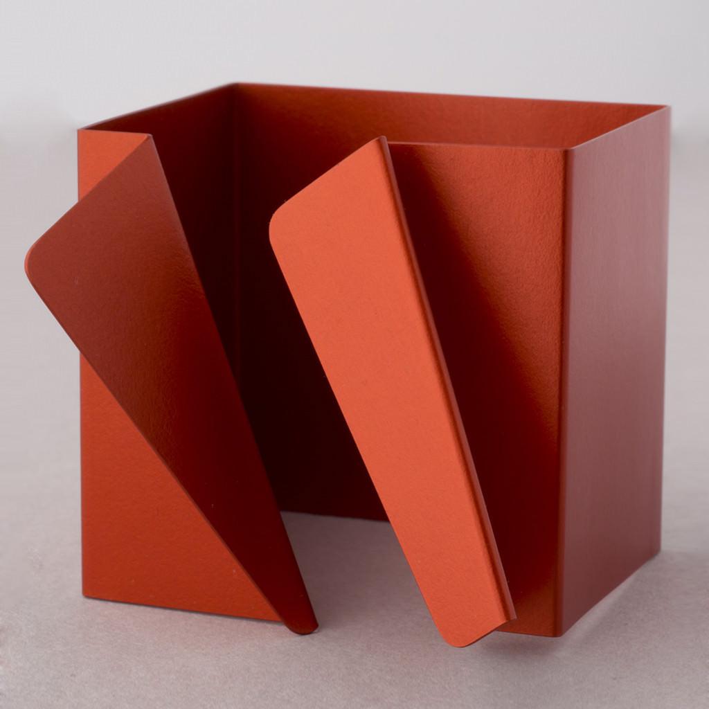 Brazalete Cuadrado en aluminio de Fritz Maierhofer
