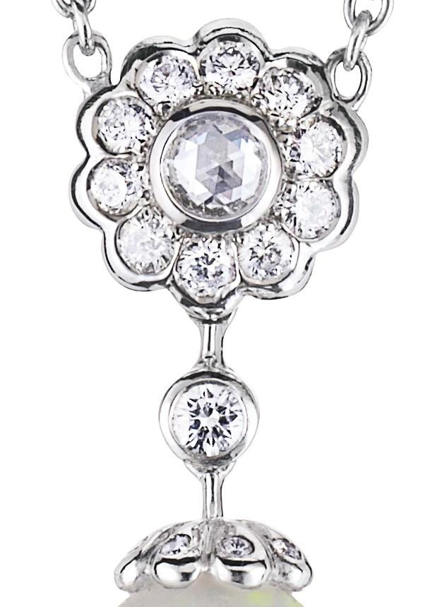 Colección Karenina Detalle Collar oro y ópalo de Fabergé