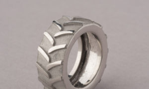 Los anillos MME Parking de Teresa Sapey para Artency