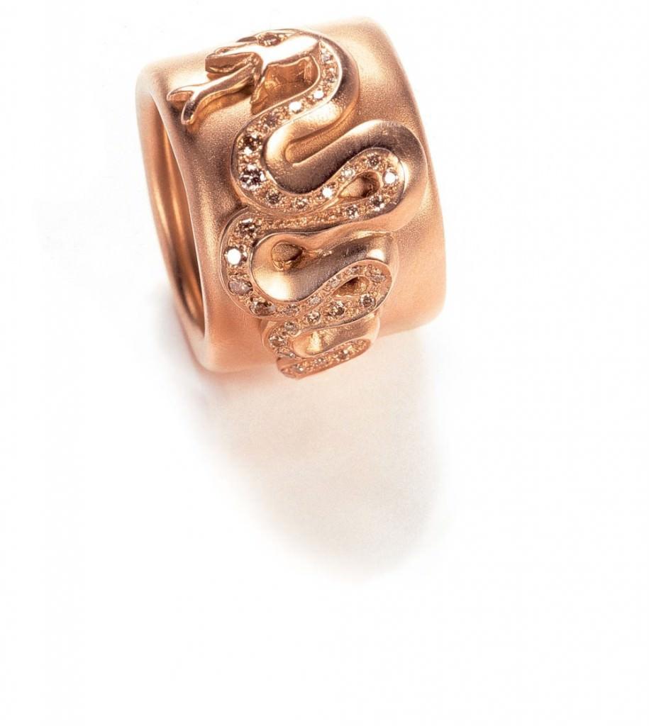Anillo oro rosa y serpientes de diamantes brown Colección Eva de Pomellato