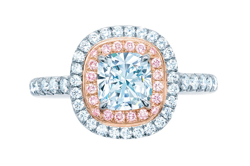 Sortija Soleste de Tiffany en diamantes rosa y blanco para San Valentin