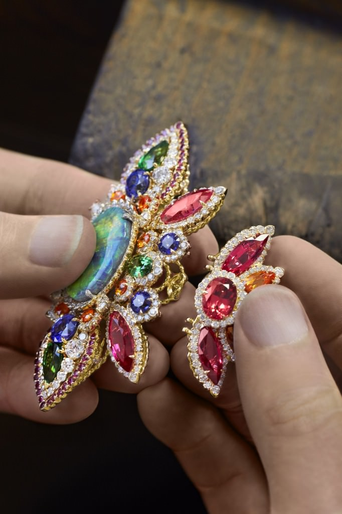 Ensamblaje piezas Pulsera Dentelle Opale D'Orient Dior Joyería