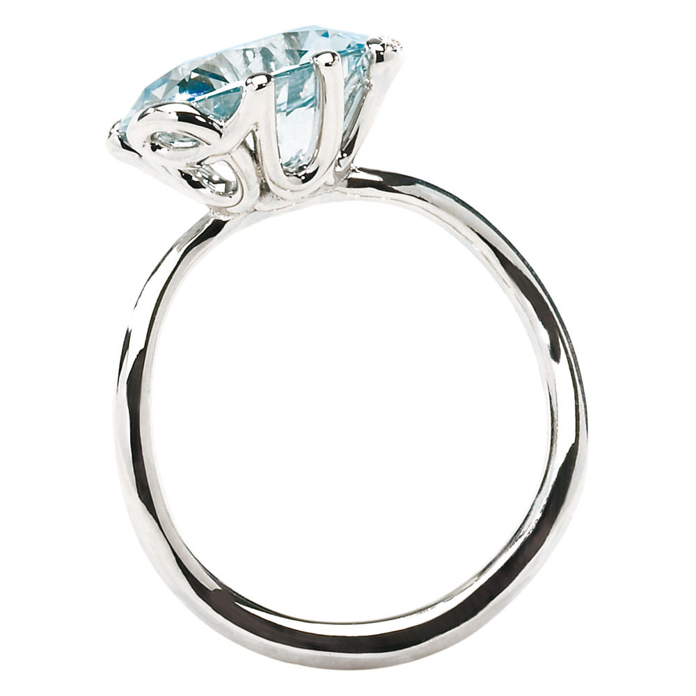 Anillo Oui de Dior en oro blanco, aguamarina y diamantes