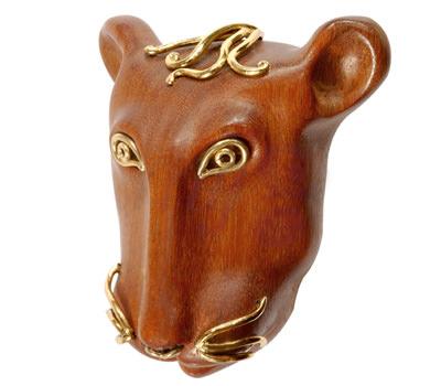 Colgante León de Antoine Camus en madera y oro