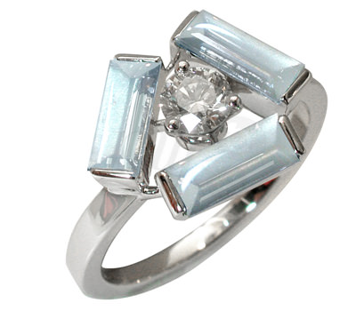 Sortija Tribeca en oro blanco y piedra de luna con diamante de Mathon Joaillerie