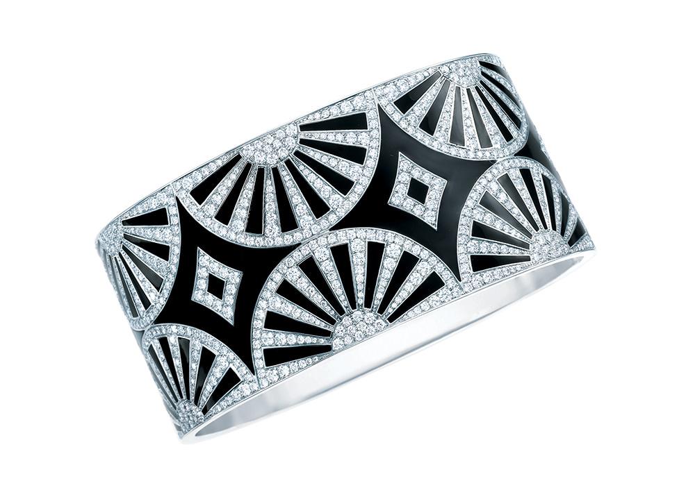 Tiffany Brazalete Deco Fan en platino, diamantes blancos y laca negra