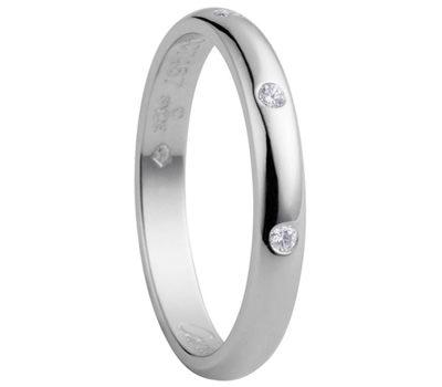 Alianza de boda en diamantes y platino de Cartier