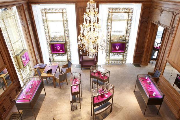 Boucheron, Interior de su boutique en París