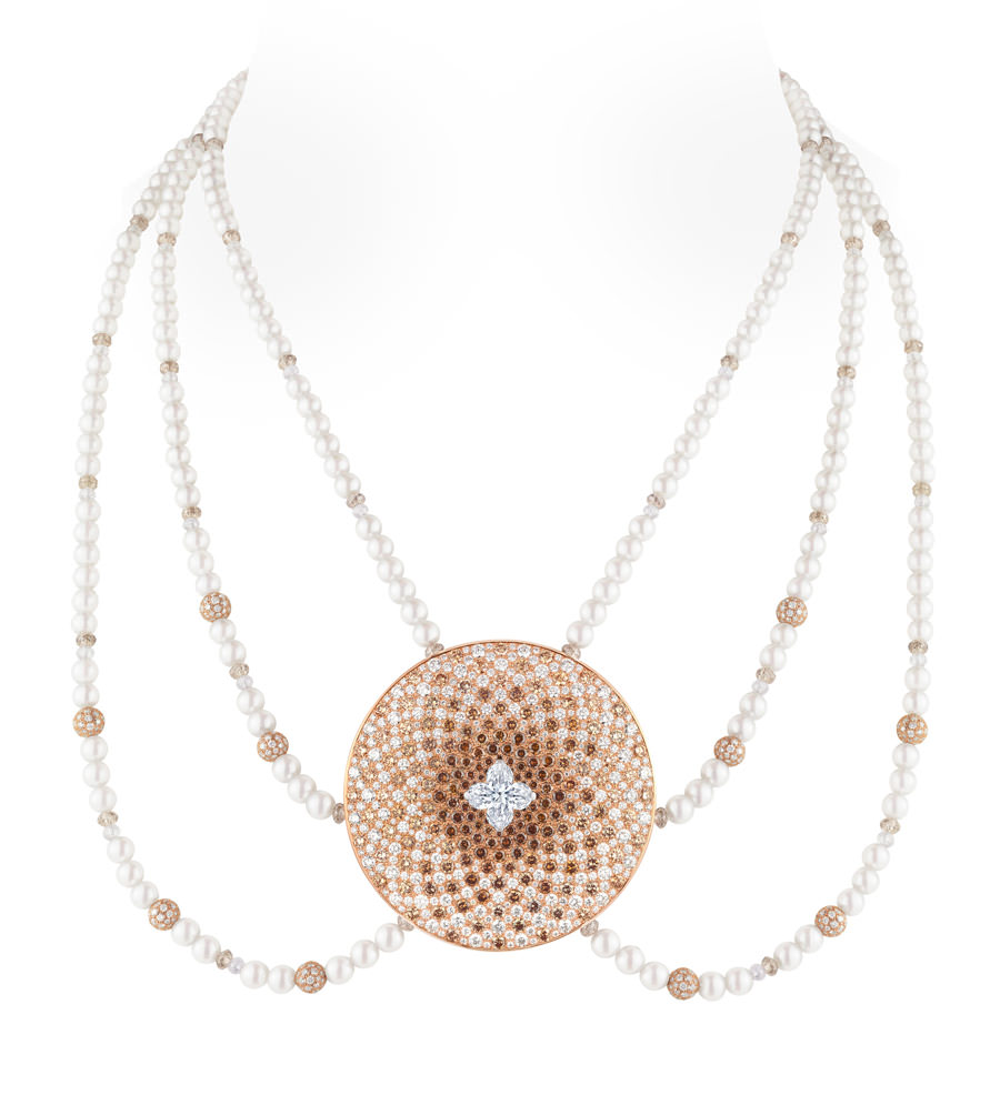 Collar Monogram Infini de Louis Vuitton Voyage dans le temps, oro, perlas y diamantes.