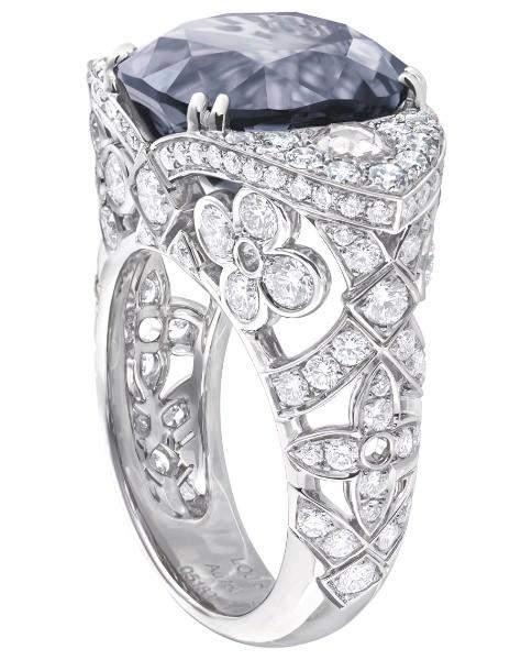 Anilllo Dentelle monogram Louis Vuitton Voyage dans le Temps, oro, espinela azul y diamantes