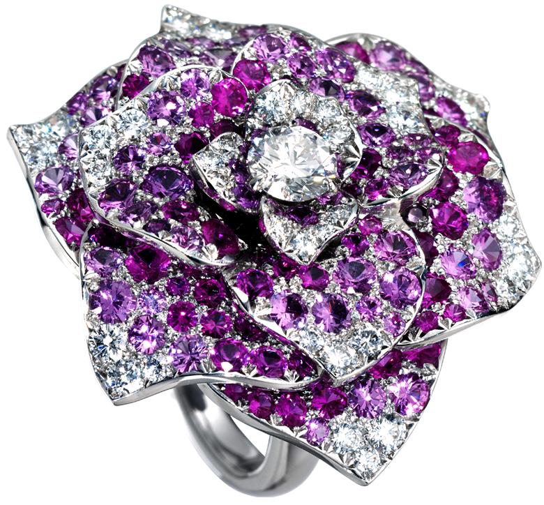 Sortija-Rose-Piaget-oroblanco18qts-138brillantes-zafirosrosas-1brillante0,5qts-36brillantes-0.8qts