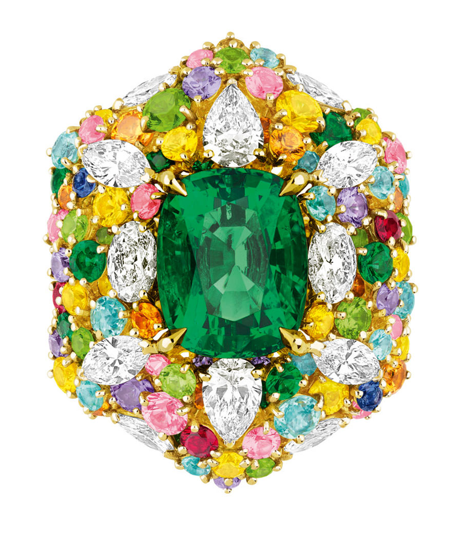 Anillo-CherDior-2013-esmeralda-diamantes