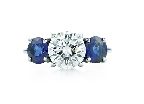 Anillo Three Stones con diamatne y zafiros azules Tiffany & Co