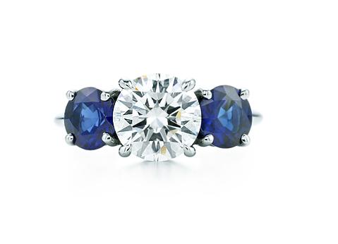 Anillo Three Stones con diamatne y zafiros azules Tiffany & Co