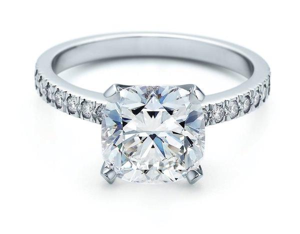 precio de los anillos de compromiso Tiffany