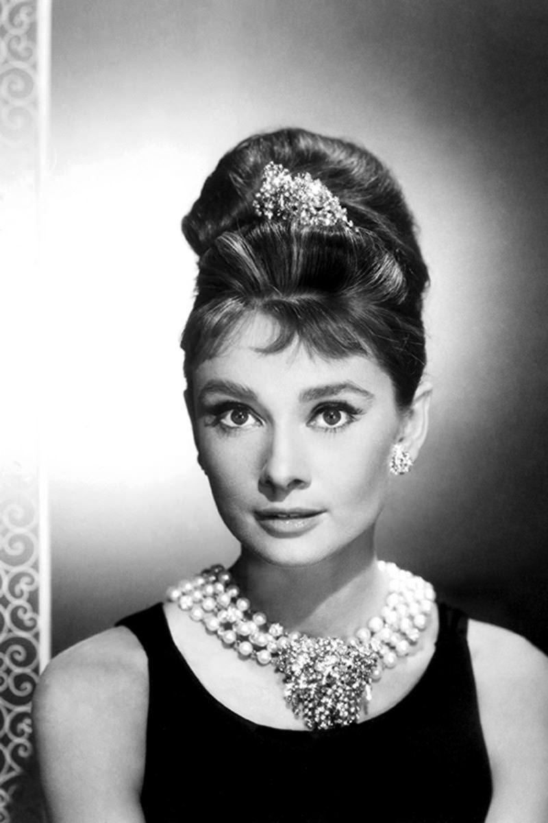 El Collar de Perlas Audrey-hepburn-desayuno-con-diamantes-perlas