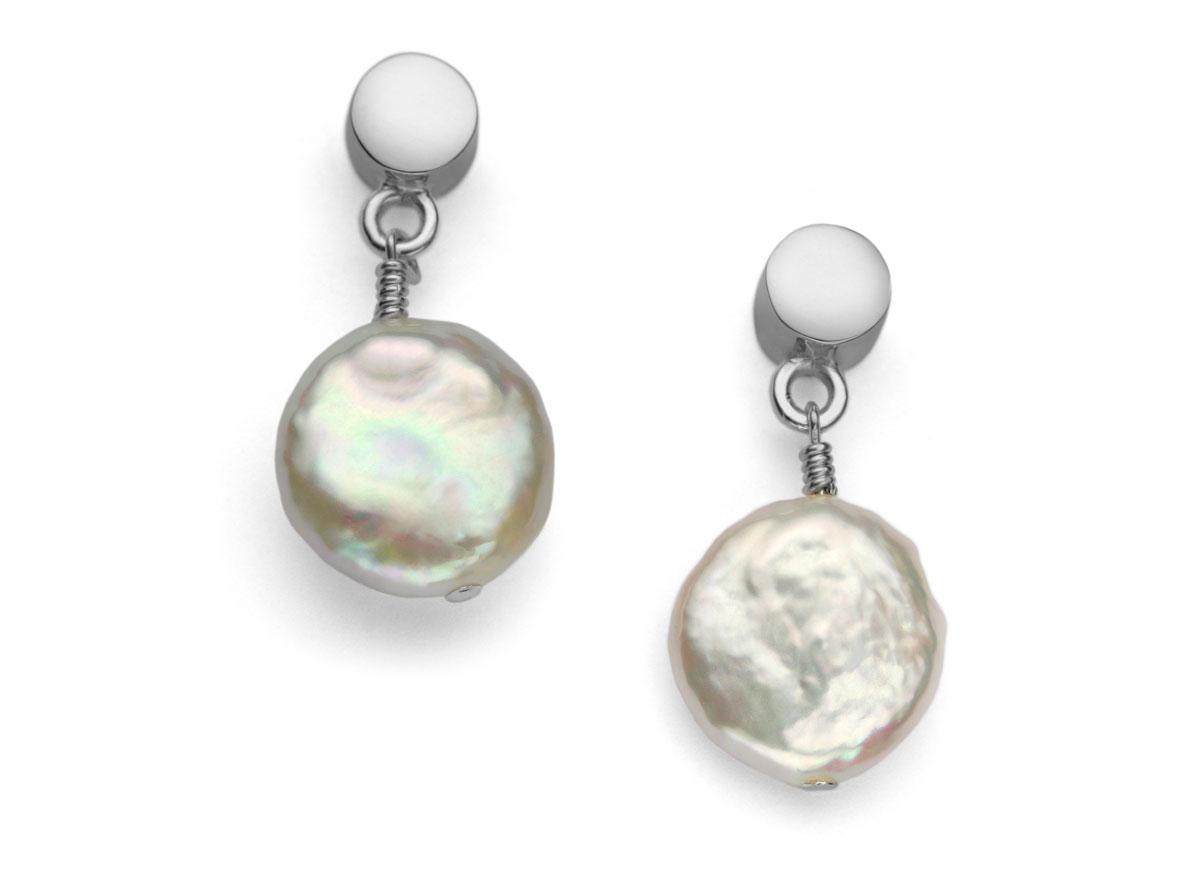 la composición de las perlas Aretes Moneda de Dalia Pascal en perlas de río