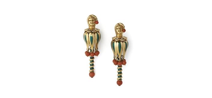 Broches clip bufón de la corte de Van Cleef & Arpels en oro, esmalte, coral y diamantes