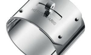 El brazalete Kelly de Hermès en plata