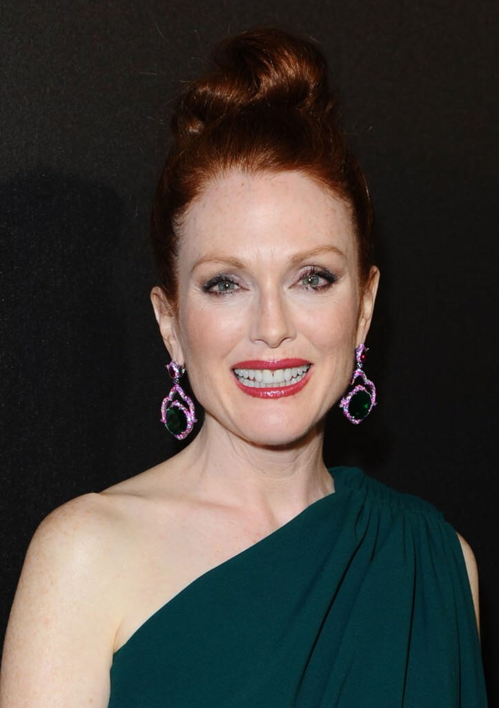 0517_julianne-moore_at_hunger-games_party_with_chopard2-723x1024