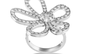Flowerlace, un anillo de boda Van Cleef & Arpels, perfecto para una novia