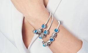 ¿Qué debo verificar cuando compro joyas en internet?