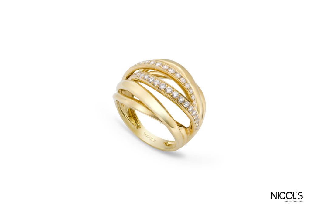 Anillo Tierra de Nicol's en oro amarillo 18 quilates y diamantes