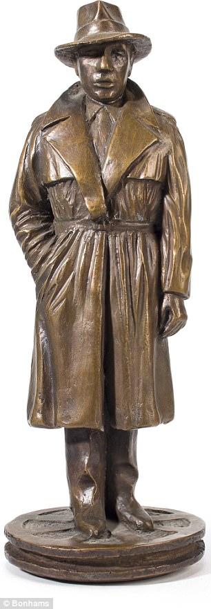 Statue-Bogart-LaurentBacall-Subasta-2015