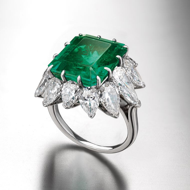 elizabeth_taylor_bulgari_colombian_emerald_diamond_ring.jpg